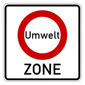 Vorraussetzung für das Befahren der Umweltzone ist die grüne Plakette oder eine Ausnahmegenehmigung.