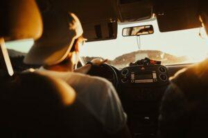 Junger Autofahrer – vorsicht beim Umweltplaketten-Bußgeld